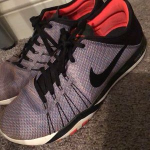 Nike tennis shoes. Free TR 6. Size 10
